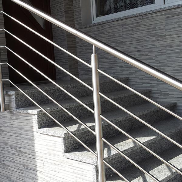 schody, pomosty
